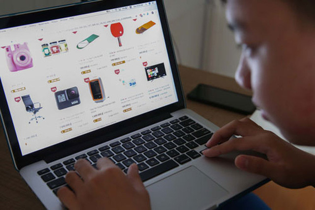 Nhận biết nhận xét giả khi mua hàng online