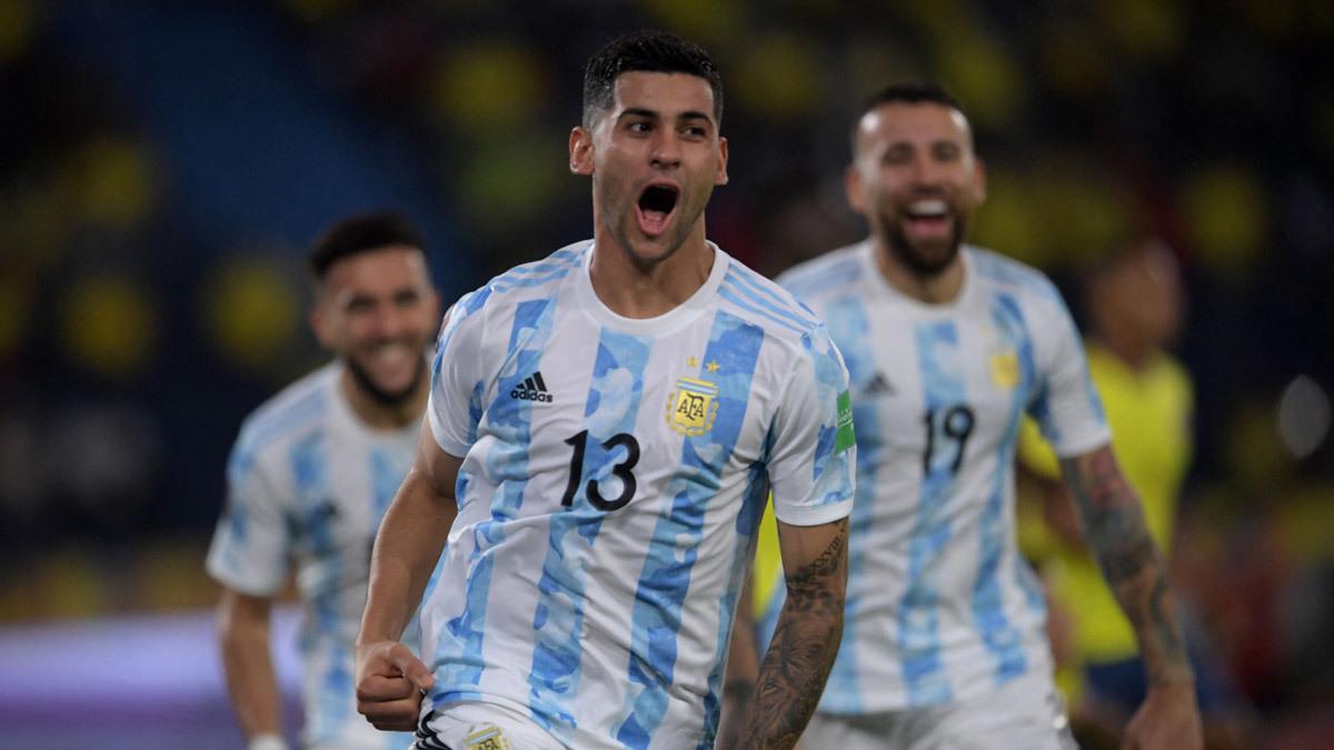 MU lấy sao Argentina, Chelsea mua Trippier