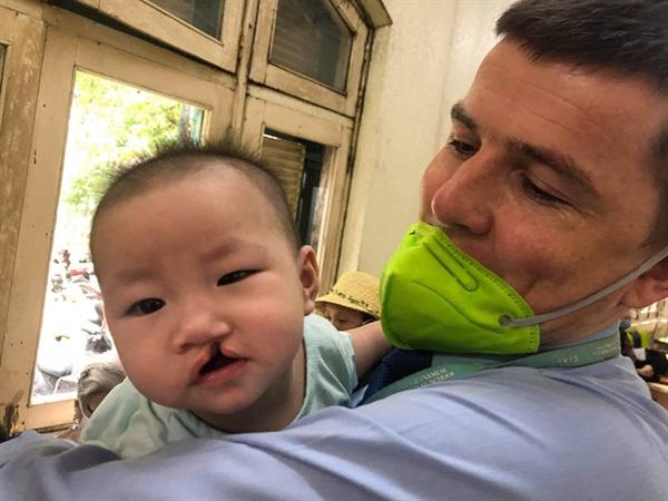 Irish man adopts Vietnamese orphan
