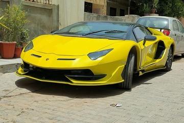 Siêu xe Lamborghini nhái tuyệt đẹp được chế từ Honda Civic đời cũ