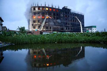 Cháy nhà máy ở Bangladesh, hàng chục người thiệt mạng
