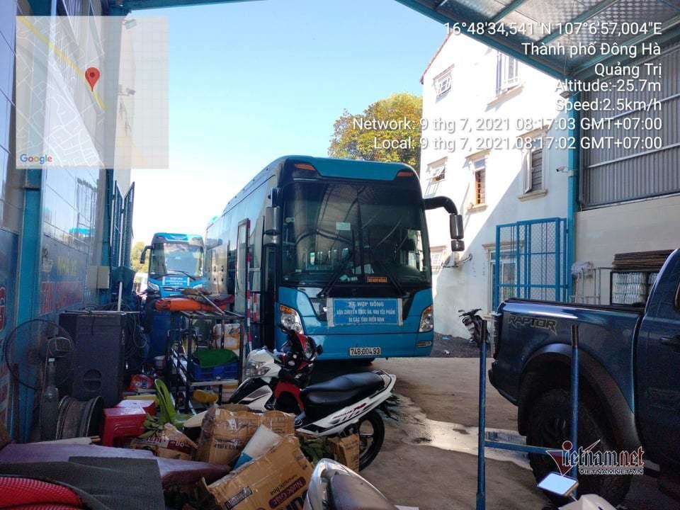 Xe khách vượt chốt kiểm dịch, chở 15 người từ TP.HCM về Quảng Trị