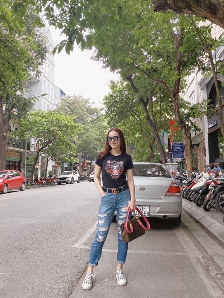 Lý Hùng bên Lý Hương những ngày Sài Gòn giãn cách