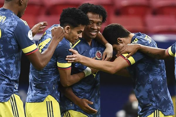 Video bóng đá Colombia 3-2 Peru: Rượt đuổi đau tim