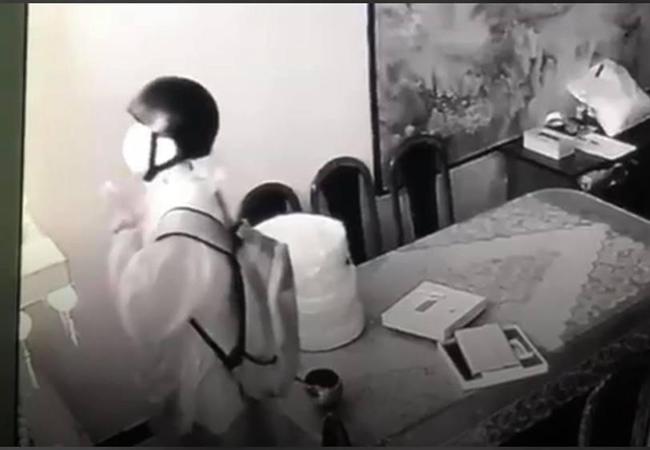 Trộm đột nhập nhà nghệ sĩ Ngọc Huyền, lạy Phật trước khi lấy đồ