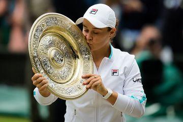 Nữ tay vợt Australia lập kỳ tích lần đầu tiên vô địch Wimbledon