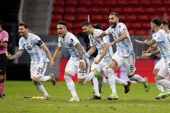 Video bóng đá Brazil 0-1 Argentina: Lần đầu cho Messi