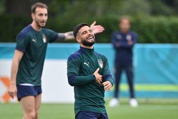 Dàn sao Italy tươi rói, tích cực 'luyện công' trước chung kết EURO