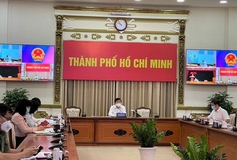 Phó Thủ tướng: Ưu tiên lớn nhất với TP.HCM hiện nay là giữ khoảng cách người với người