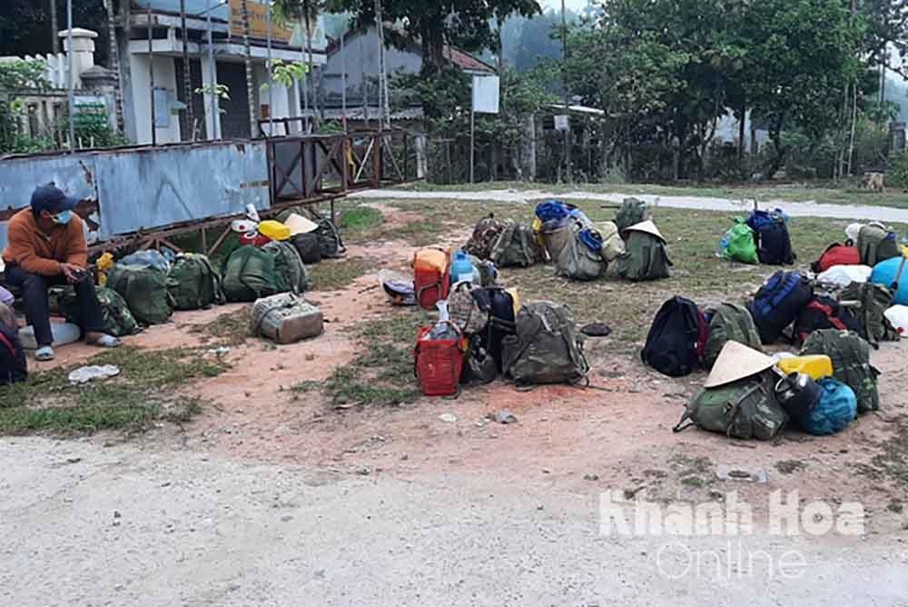 47 người đồng bào dân tộc thiểu số Hrê tỉnh Quảng Ngãi đã về quê an toàn