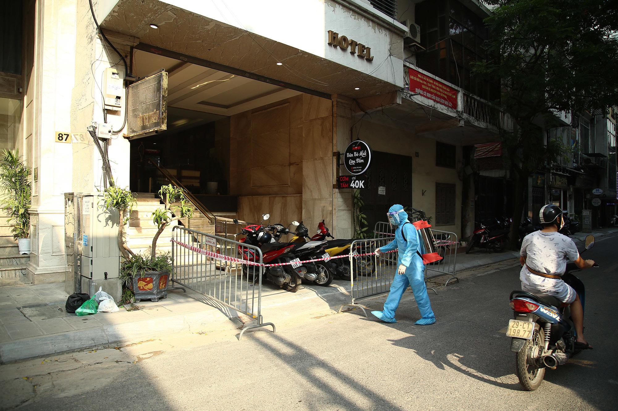 Hà Nội phong tỏa nhiều điểm ở phố Bùi Thị Xuân sau 5 ca dương tính nCoV