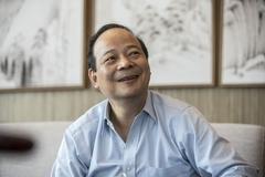 Bước ngoặt của vị tiến sĩ Vật lý vừa trở thành tỷ phú giàu hơn Jack Ma
