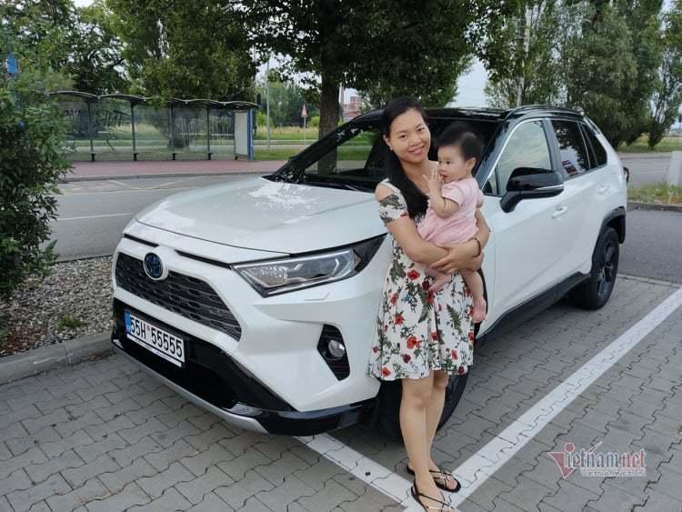 Nữ Việt kiều chỉ tốn 10 triệu 'tậu' biển ngũ quý 5 cho Toyota RAV4