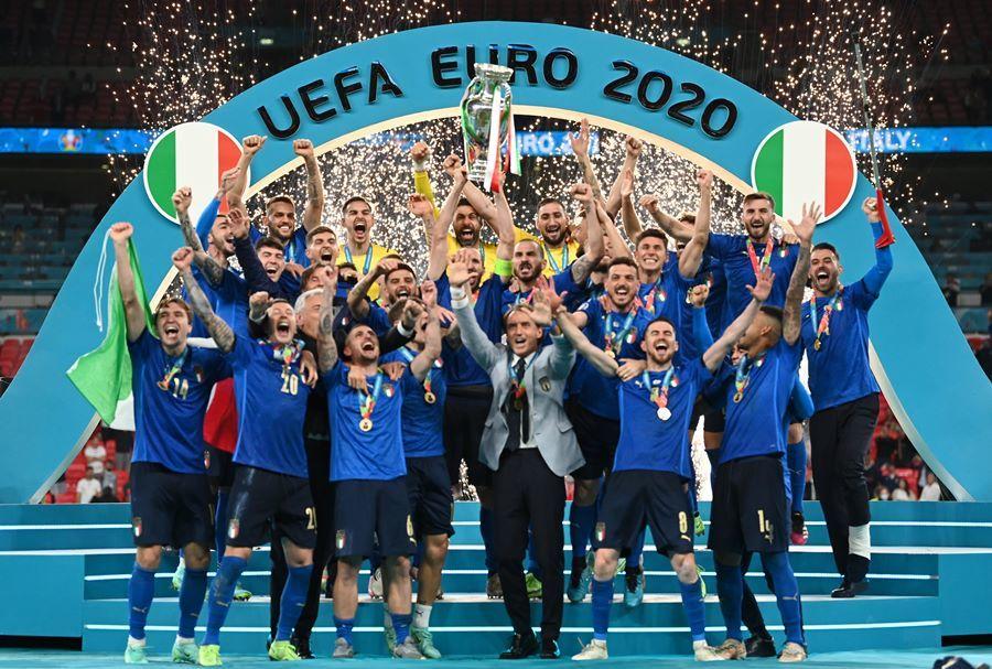 Tuyển Anh,tuyển Italia