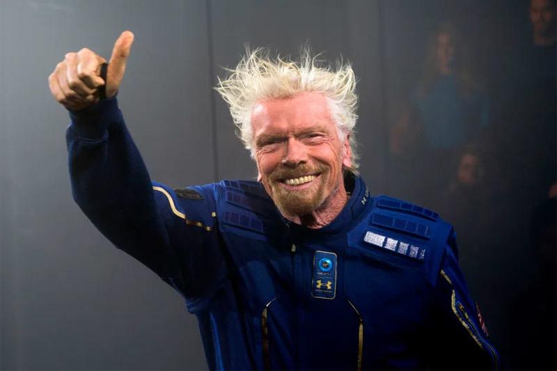 Tỷ phú vượt mặt ông chủ Amazon trong cuộc đua vào vũ trụ