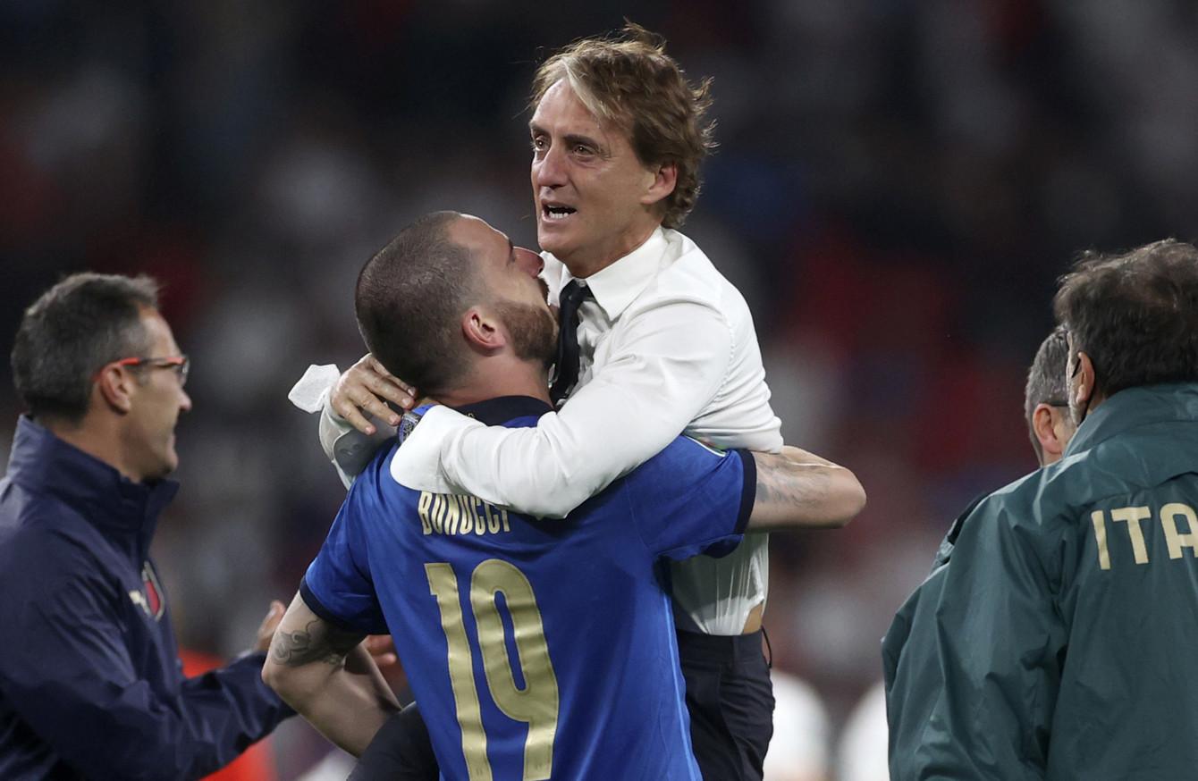 HLV Mancini: 'Hơi tiếc cho Anh, nhưng Italy thật phi thường'