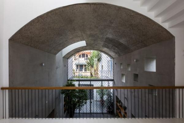 Nhà phố rộng 380 m2 với 3 phòng ngoài trời hình vòm độc đáo ở TP.HCM