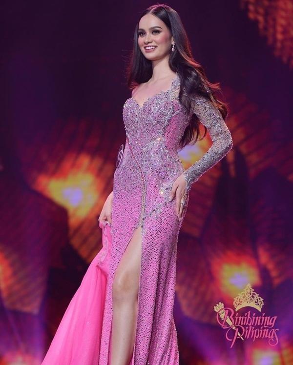 Cựu sinh viên pháp y đăng quang hoa hậu Philippines