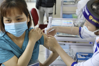 Vietnam does not discriminate over vaccinations