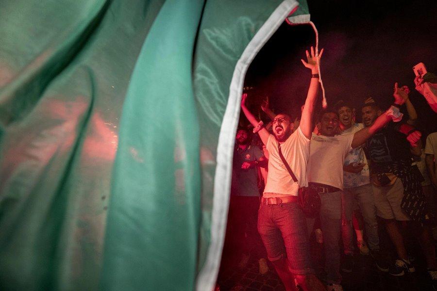 Rome không ngủ ăn mừng Italy vô địch EURO 2020