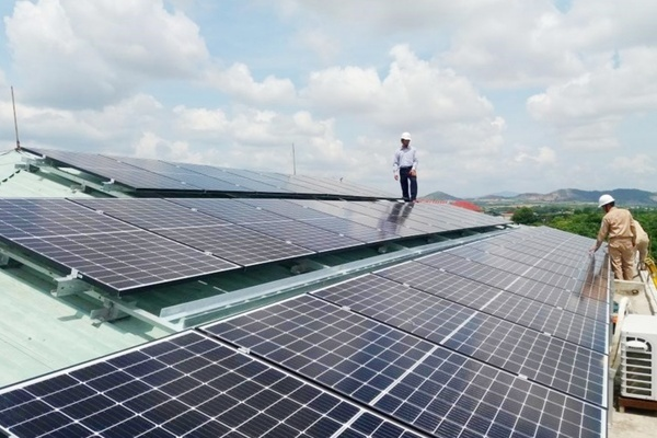 LGG đầu tư hơn 12 tỷ đồng lắp đặt hệ thống điện năng lượng mặt trời trên mái nhà