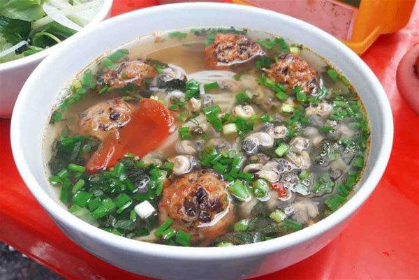 Northern snail noodle soup