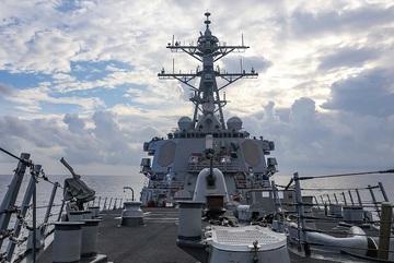 Chiến hạm Mỹ tiến gần quần đảo Hoàng Sa