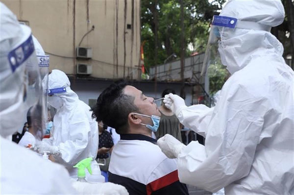 Hanoi reports 10 new COVID-19 cases, releases list of locations they visited