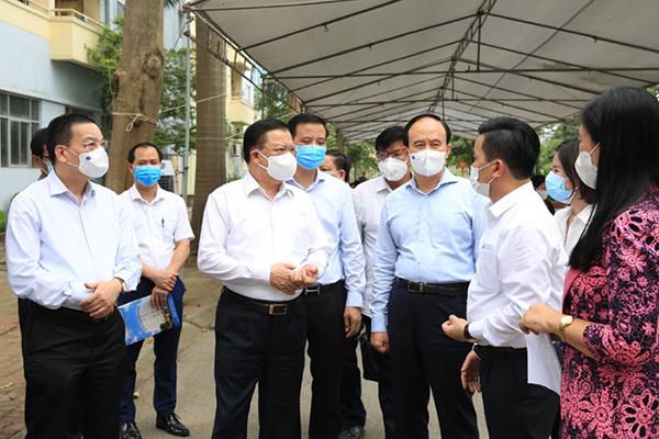 Bí thư Hà Nội nói về biện pháp tạm dừng các dịch vụ