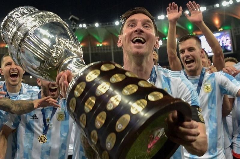 Messi cảm ơn Maradona sau khi cùng Argentina vô địch Copa America