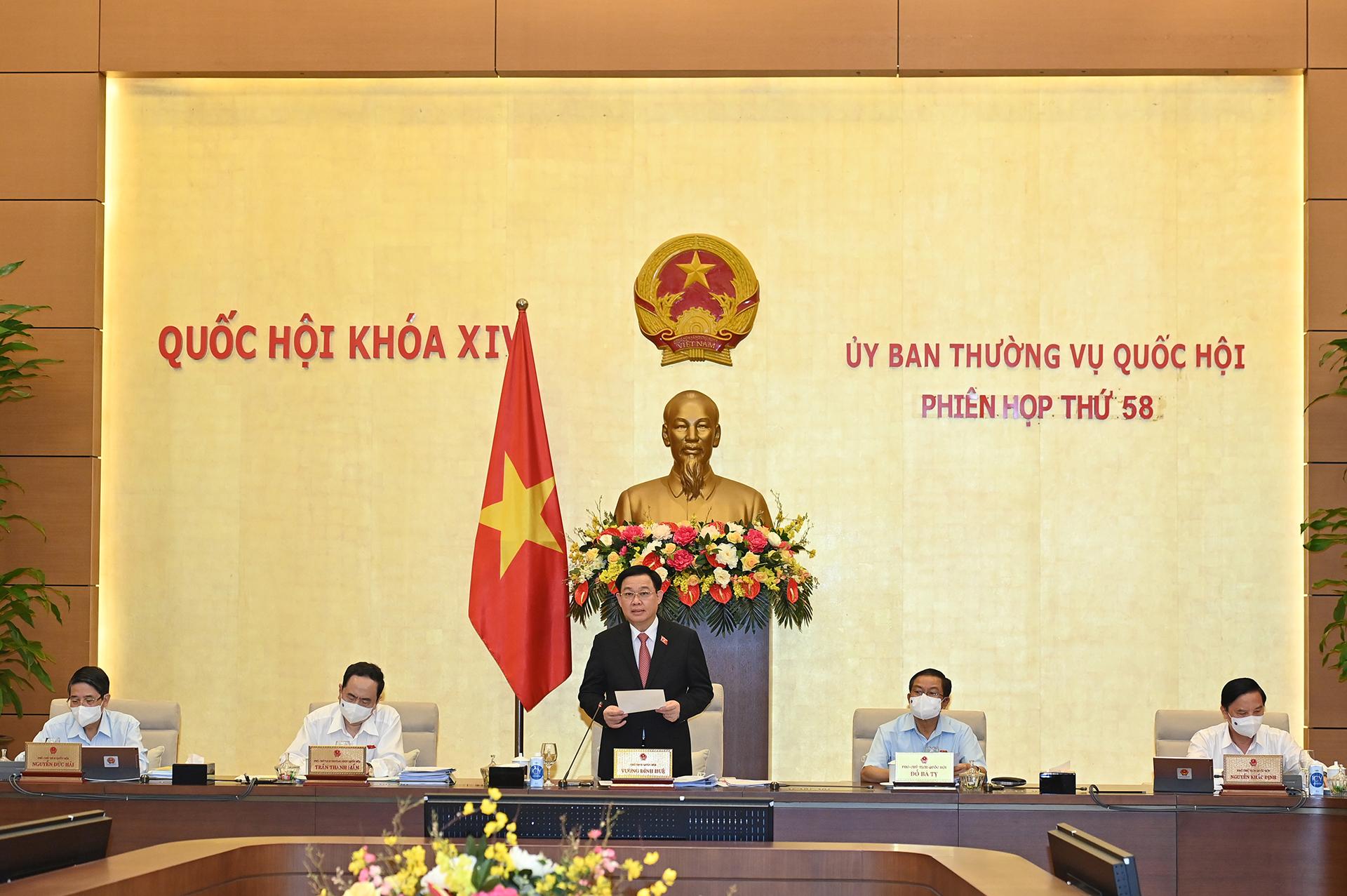 Vận dụng tư tưởng Hồ Chí Minh trong hoạt động lập pháp*