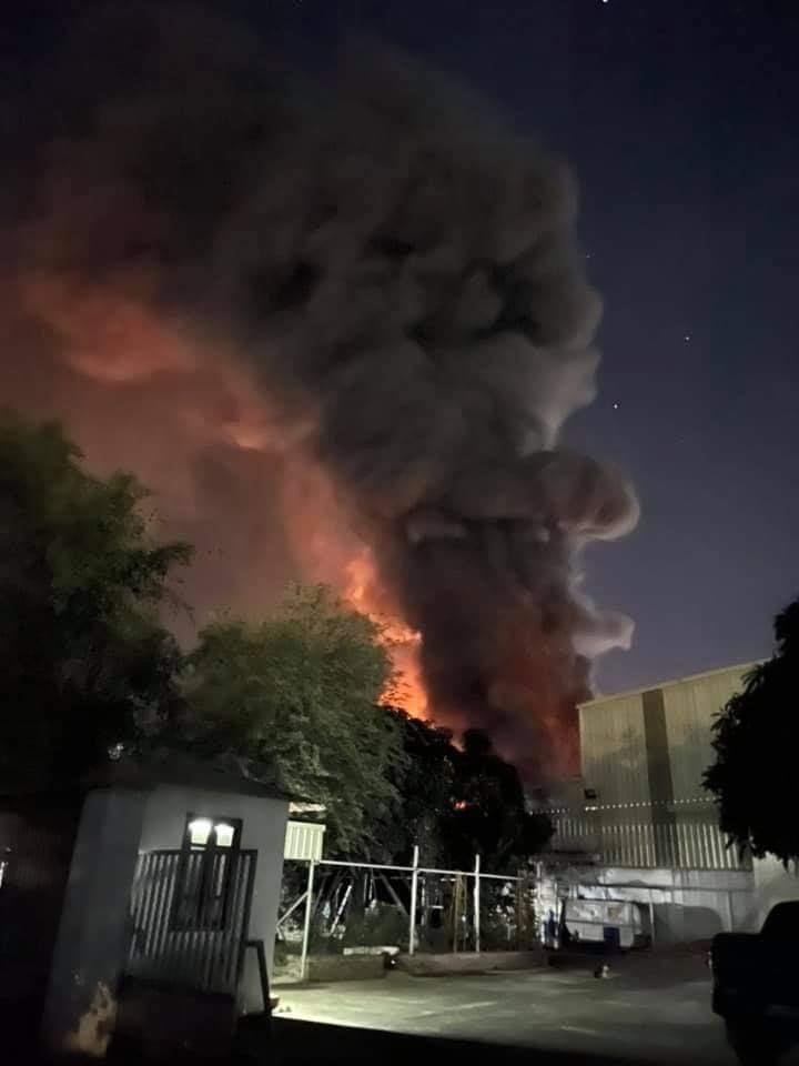 Kho lốp 6.000m2 trong cụm công nghiệp Hà Khánh ở Quảng Ninh cháy lớn