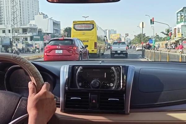 Mới lấy bằng 2 tháng, có nên chọn đường đông để luyện tay lái?