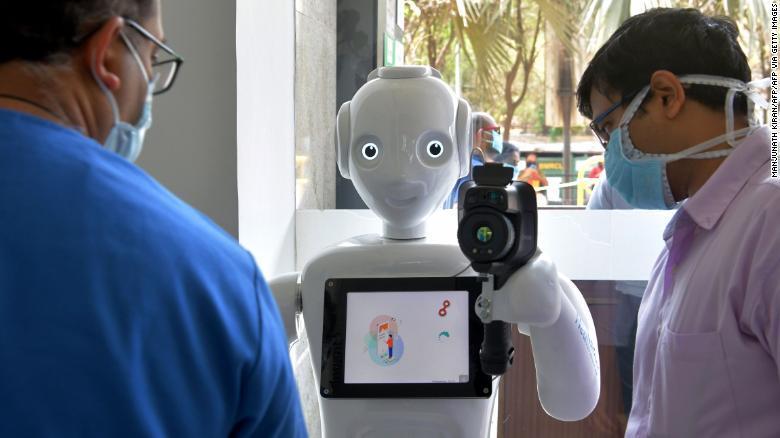 Ấn Độ sử dụng robot trong cuộc chiến chống Covid-19
