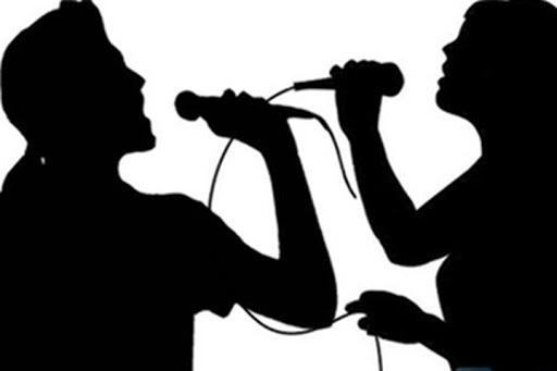 Ở nhà giãn cách lại bị hàng xóm 'tra tấn' karaoke xuyên ngày đêm