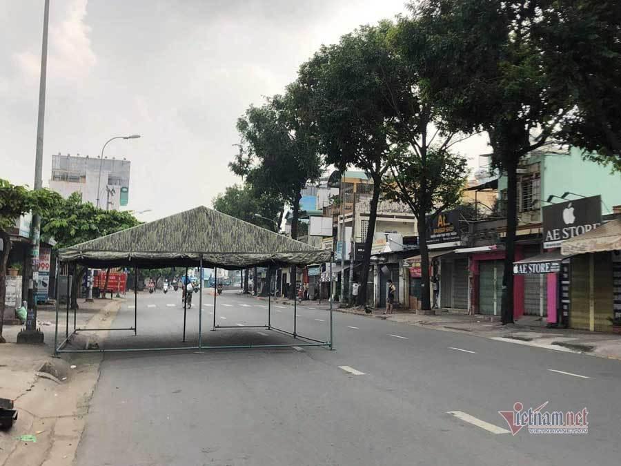 Gò Vấp di dời chốt kiểm soát dịch Nguyễn Kiệm, hết cảnh nghìn xe dồn ứ
