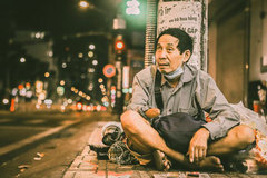Young man captures touching photos of needy people amid pandemic
