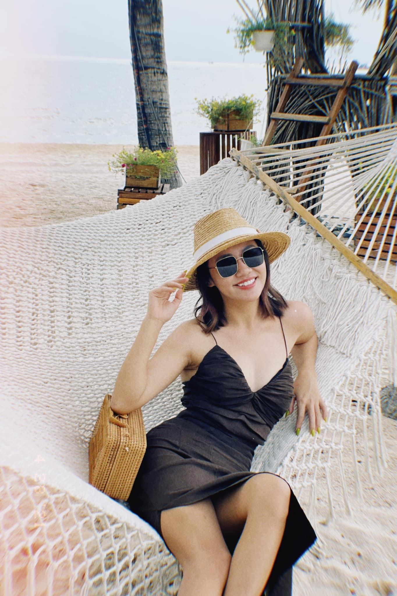 Văn Mai Hương tuổi 27 độc thân, quyến rũ