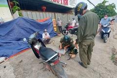 Cảnh sát truy bắt hai kẻ tàng trữ ma túy còn 'thông chốt' kiểm dịch