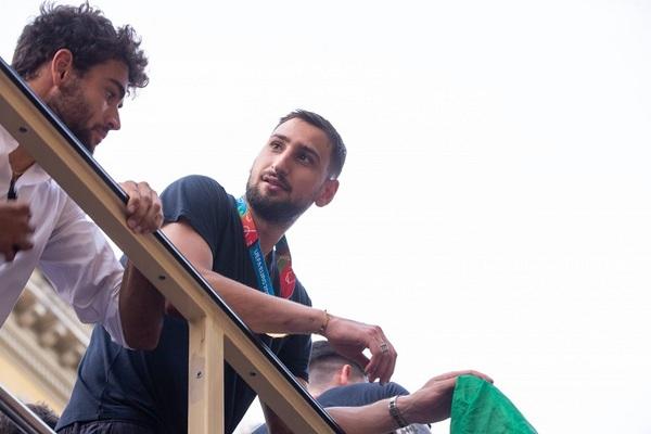 Man City chi bạo tậu Jack Grealish, Donnarumma ký 5 năm PSG