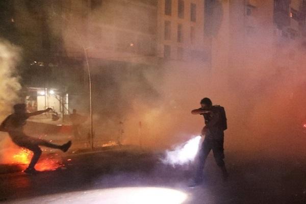 Nhà Bộ trưởng Nội vụ Lebanon bị người biểu tình tấn công