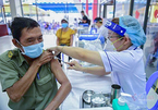Vắc xin cho chú Tư