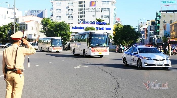 127 cán bộ y tế ở TT-Huế vào các tỉnh phía Nam chống dịch