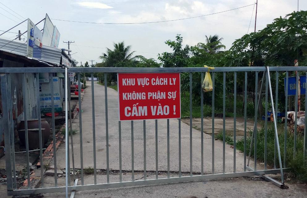 Vượt 2.000 ca dương tính nCoV, các tỉnh miền Tây 'căng mình' dập dịch