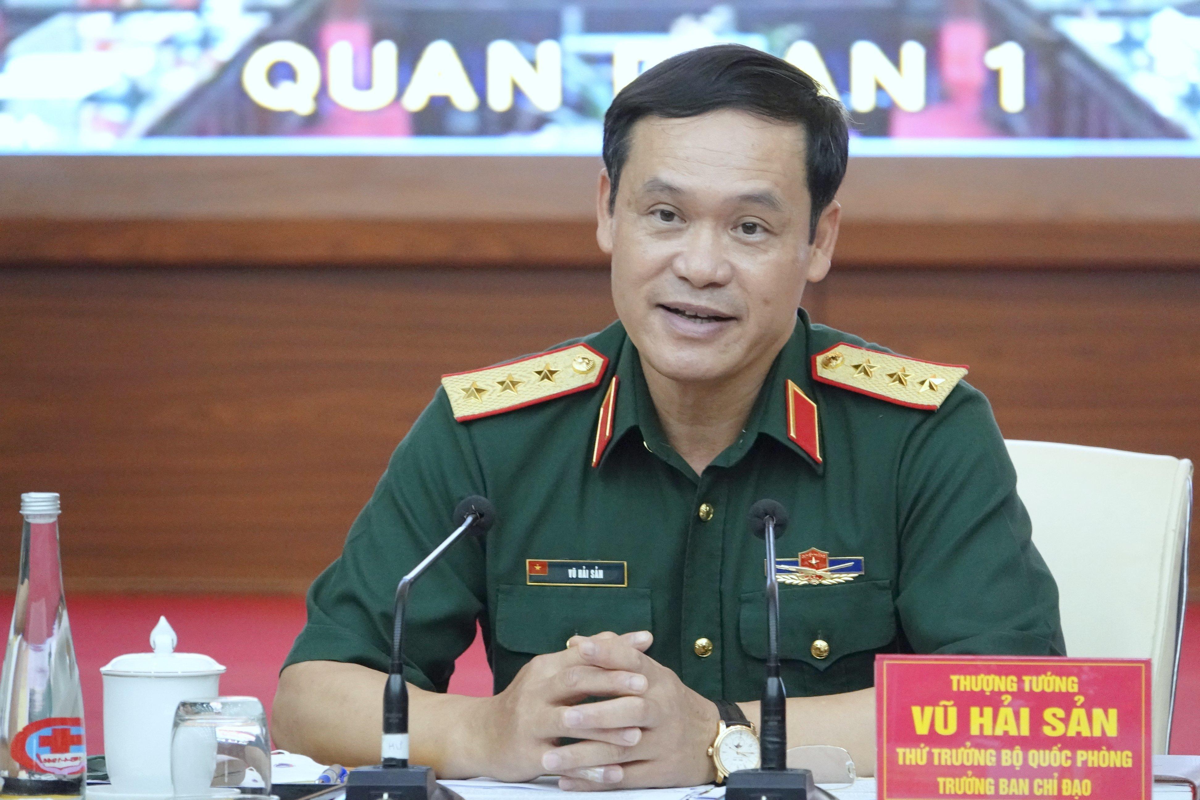 Huy động 1.300 xe vận tải quân đội vận chuyển vắc xin Covid-19