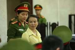 Hoãn xử phúc thẩm mẹ nữ sinh giao gà ở Điện Biên