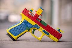 Súng bắn đạn thật hình đồ chơi Lego gây tranh cãi