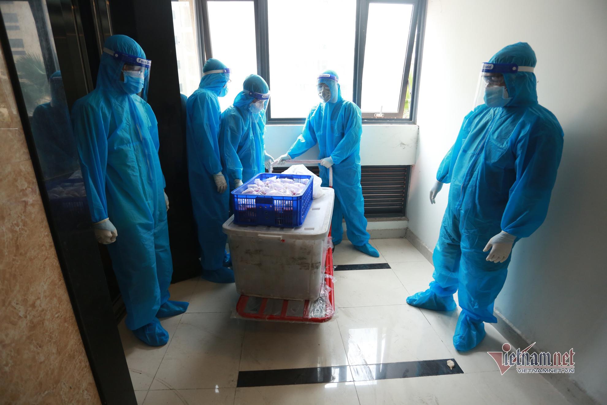 Bên trong nơi điều trị hơn 4.000 bệnh nhân Covid-19 ở TP.HCM