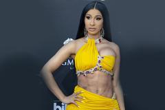 Indonesia cấm phát nhạc của Nicki Minaj, Bruno Mars