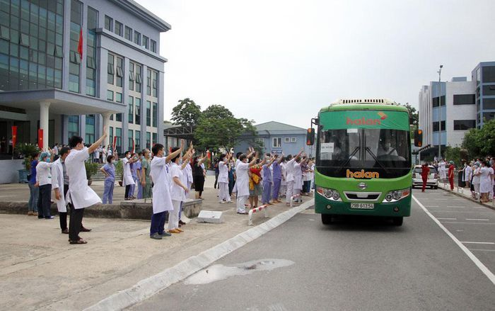 Thái Nguyên chi viện 79 cán bộ, bác sỹ hỗ trợ TP.HCM chống dịch